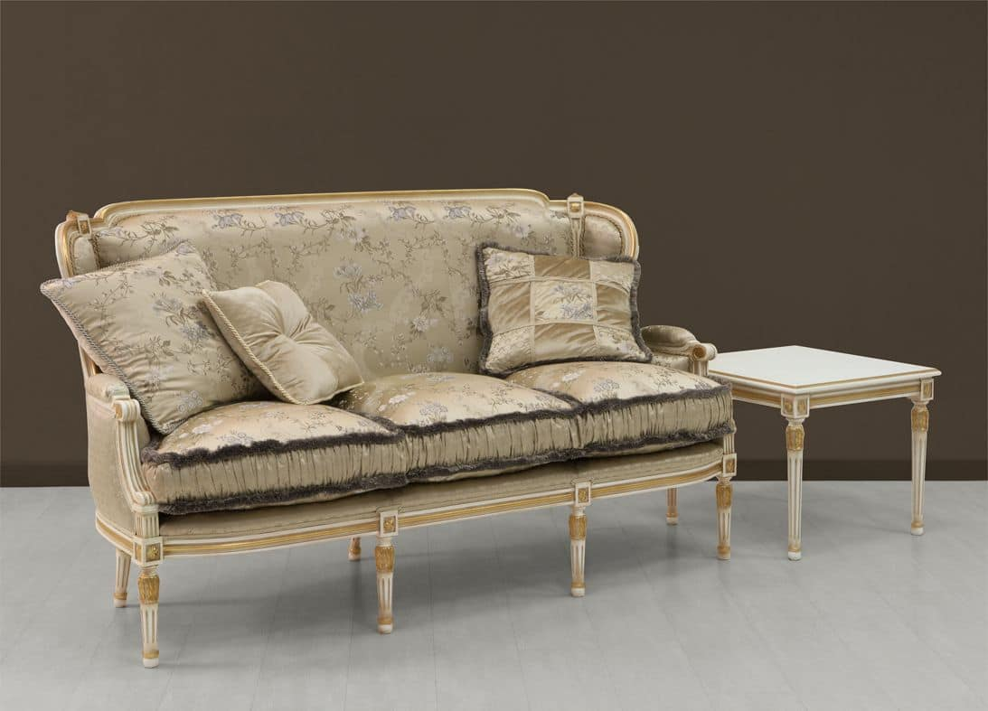luxury sofa white painted with gold ornamentation idfdesign. Black Bedroom Furniture Sets. Home Design Ideas