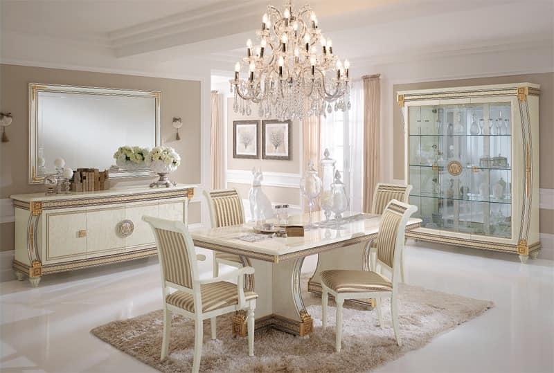 Dining tables, luxury products made in Italy, in hand ...