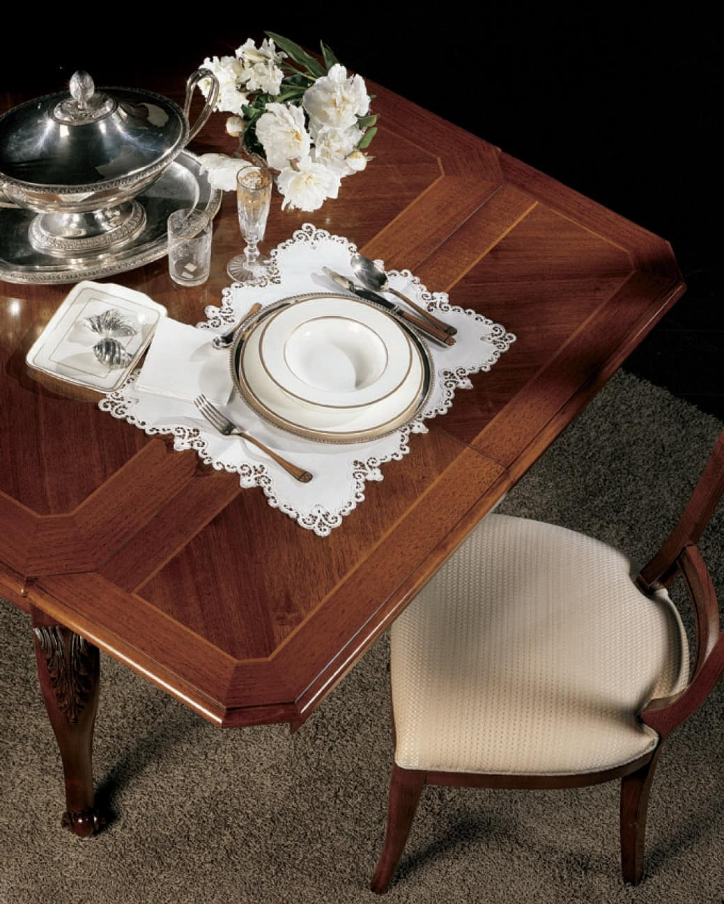 extensible table in walnut with craftsmanship idfdesign