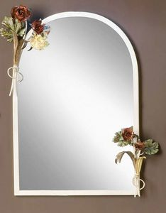 SP.8055, Mirror with frame with floral decorations