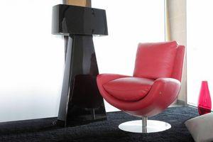 Minorca, Swivel leather armchair