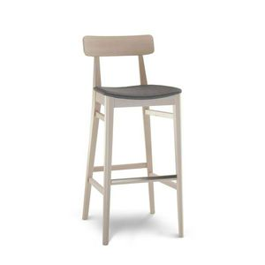 C70, Wooden stool for hotels