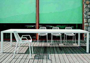 9607 Rion, Chair with armrests, in metal, for outdoor use