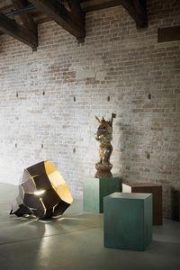 Ekflamo, Faceted iron lamp