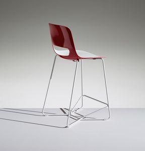LUCKY 3, Polypropylene stool on a sled base