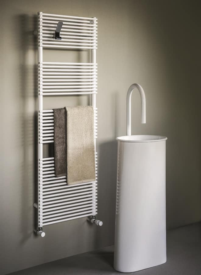 Radiator for bathroom, available in various colors | IDFdesign