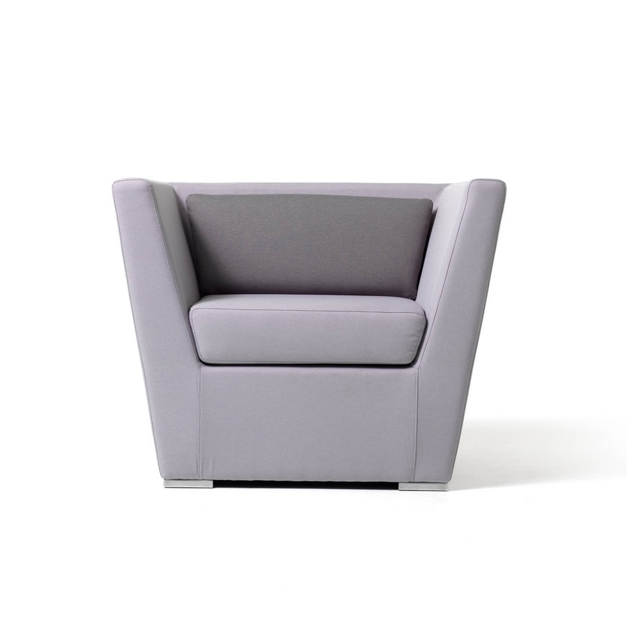 Stylish Leather Armchair Approachable For Hotel Suites