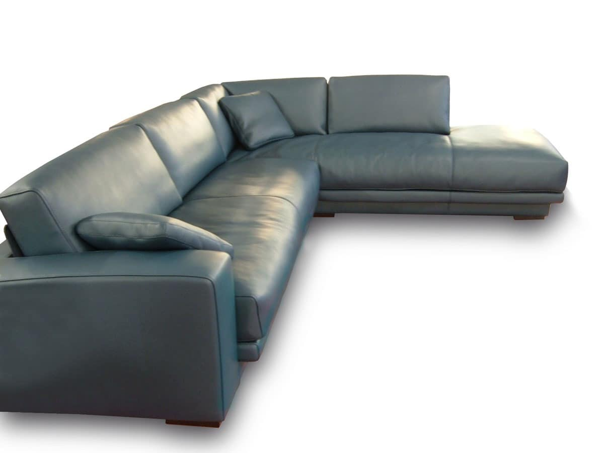 Daytona With Peninsula Loveseats In