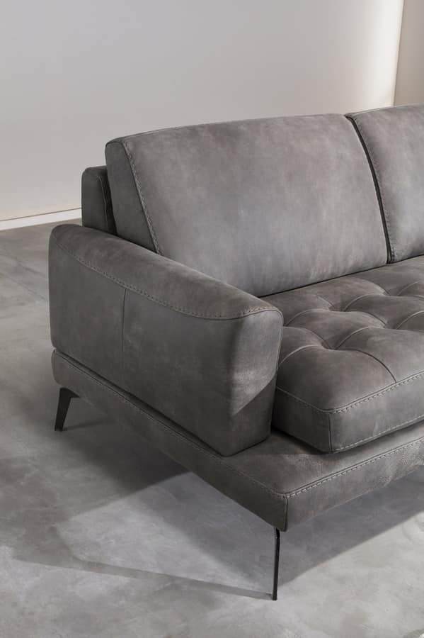 Overstuffed sofa in polyurethane with quilted seat IDFdesign