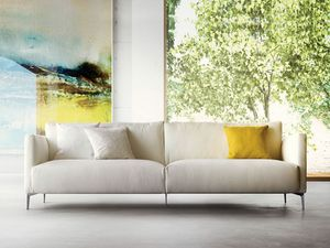 Volo, Upholstered sofa with thin legs, contemporary style