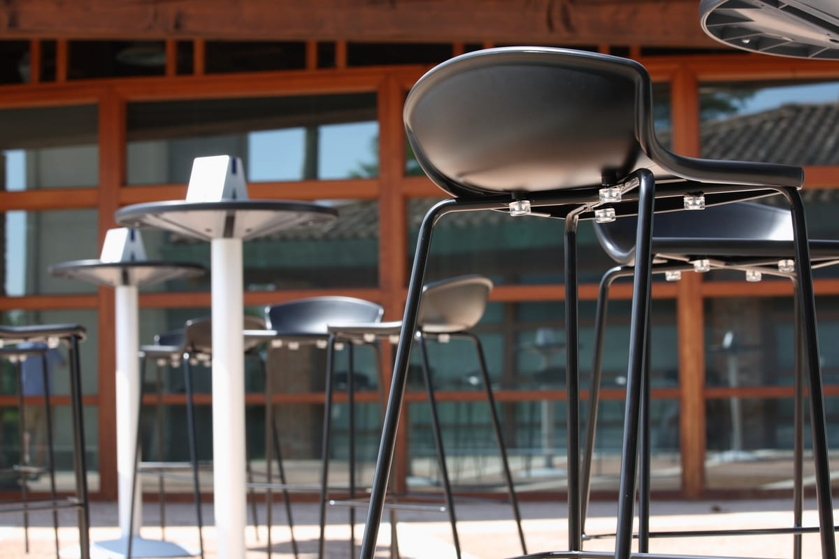Easy, Minimal barstool in metal and polymer