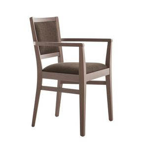 MP472GP, Comfortable chair with armrests, in padded wood