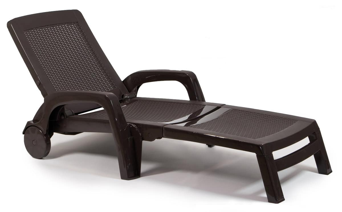 Sun lounger made of poly rattan with wheels and armrests for Chaise longue plastique