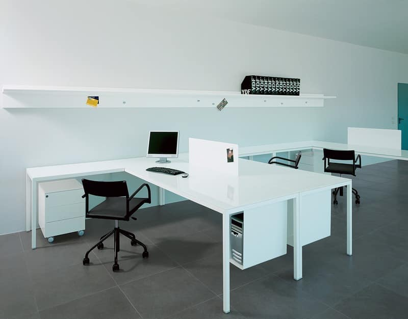 equipped table for task and directional office idfdesign