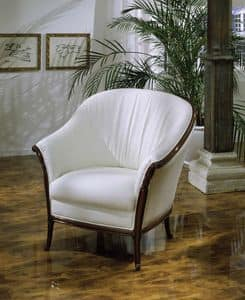 Pretorio, Armchair covered in leather with wooden structure