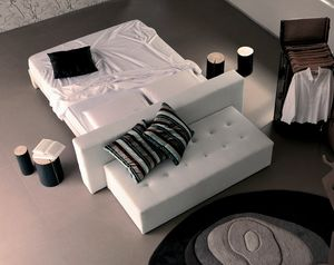 Nous, Padded bed with an original suspended design