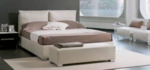 Silk, Double bed upholstered with pillows