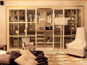 Picture of Dolce Vita Walk-in wardrobe, clothes walk-in closets