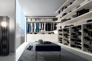 Nicchia - Walk-in closet covered with silk-ivory texture, Walk-in closet with silk finish with ivory texture