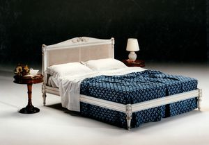 2605 bed, Bed with Vienna cane headboard