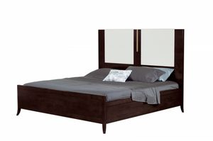 Jubilee bed with tall headboard, Bed with decorative elements in bronze finish