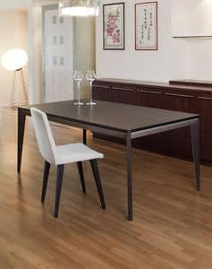 Venus, Elegant extendable table with oak wood legs and top