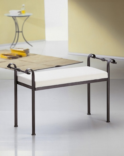 Nizza bench, Traditional bench in metal with upholstered seat