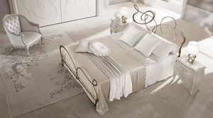 Ghirigori bed, Double bed in flat drawn iron, laser cut finishes