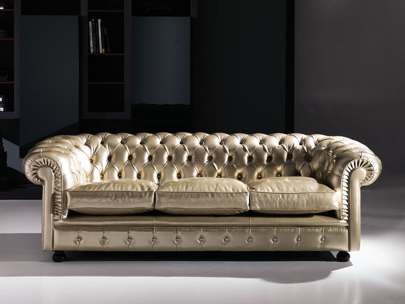 Cester, Classic sofa, tufted, in leather, for public areas