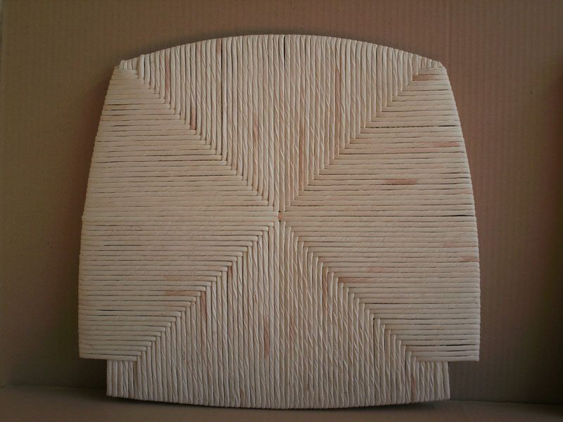 white mais seat, Sitting stool, for a rustic dining room