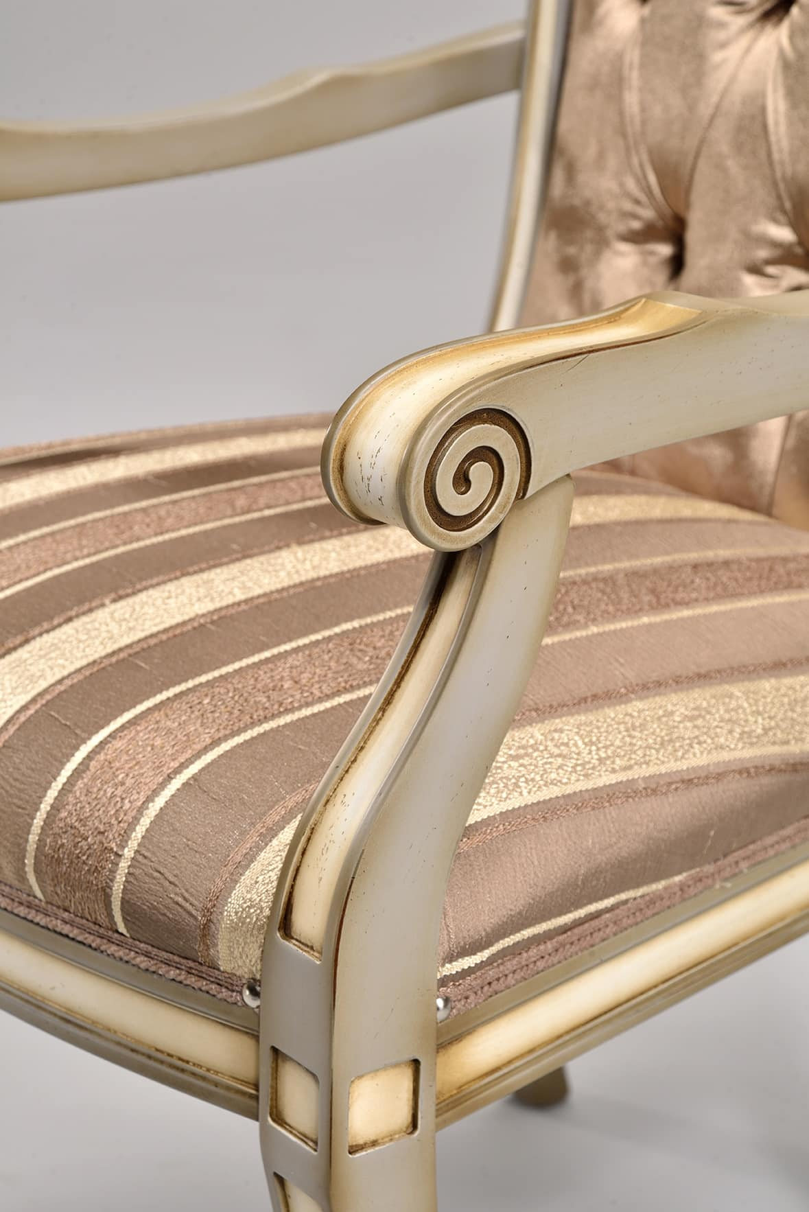 LUCREZIA chair with armrests 8220A, Classic chair in beech, various colors, for the bedroom