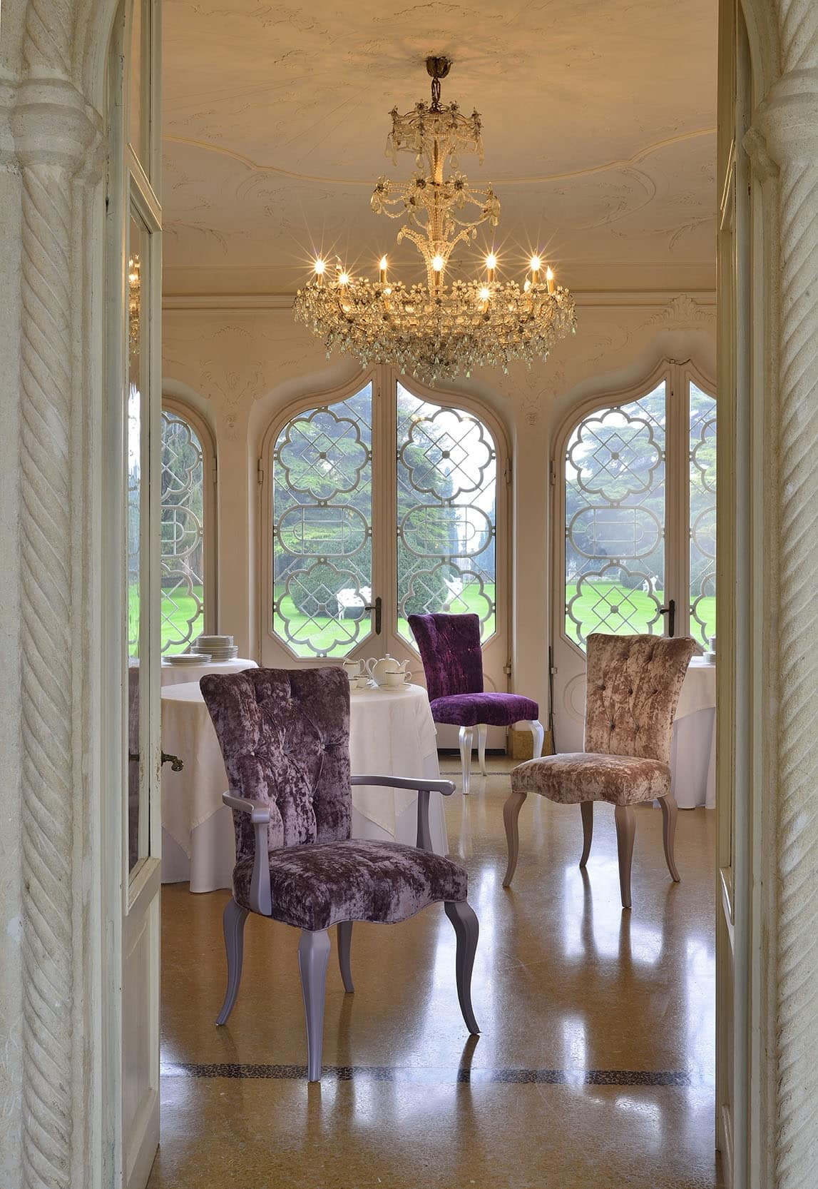 ROYAL chair 8494S, Classic chair in beechwood, padded, customizable