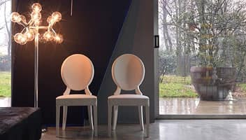 Sofia, Chair made of solid wood with oval backrest