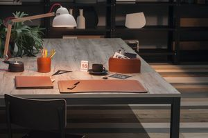 Brando 5pz, Elegant collection of regenerated leather desk accessories