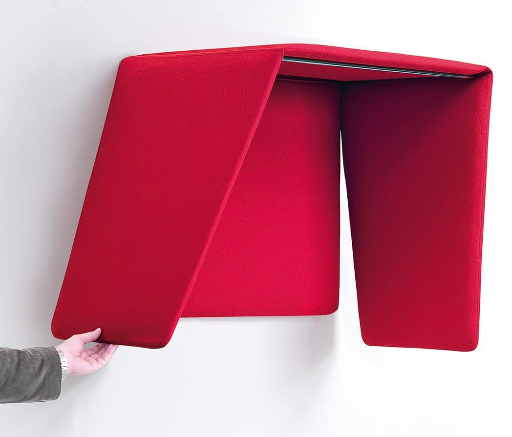 Cocker, Phone booth in sound-absorbing polyester foam