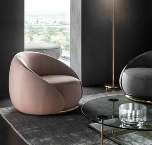 Abbracci Armchair, Armchair with an enveloping design