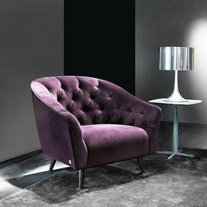Amouage armchair, Armchair with capitonn� padding