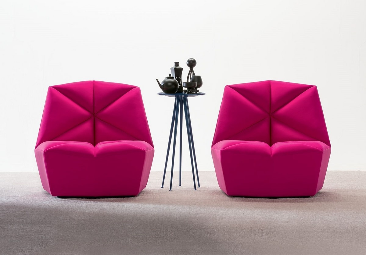 Gossip, Modern armchair