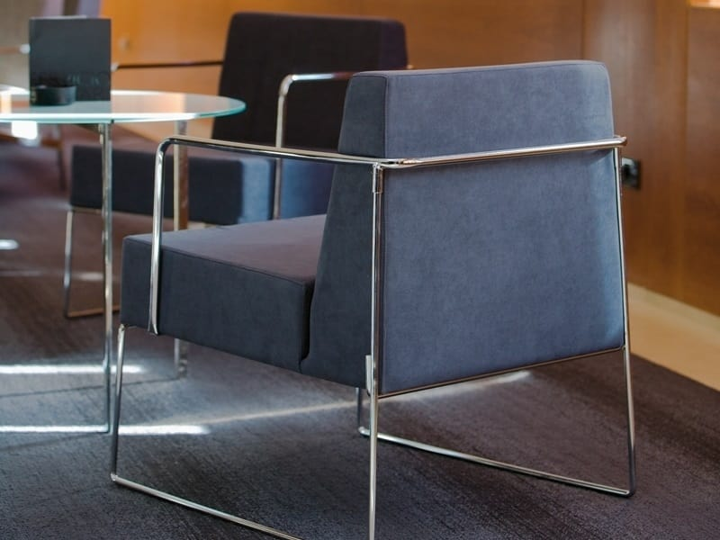 Kalida 604C, Armchair with base in polished chromed iron rod