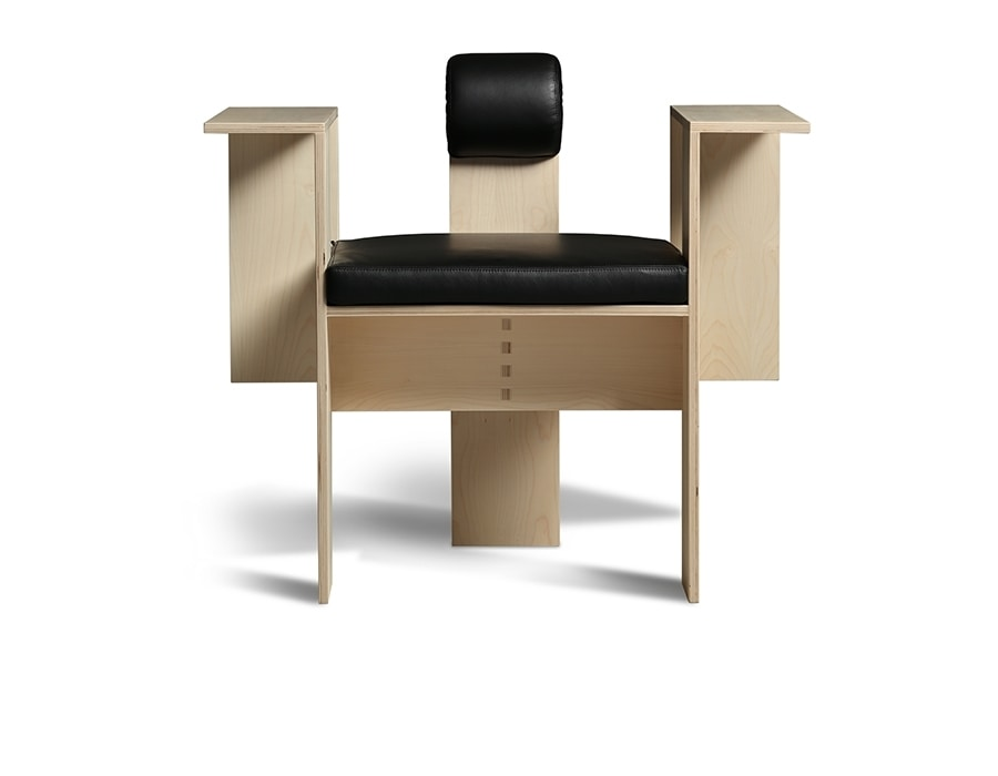 Chaise 3899/A, Seat-sculpture characterized by a distinctive style