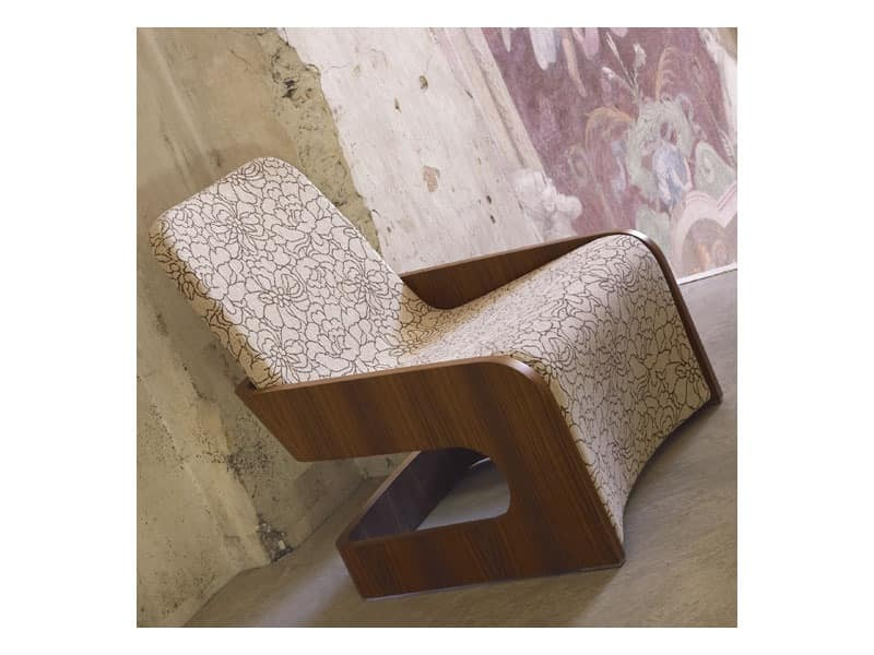 Piper, Curved plywood armchair