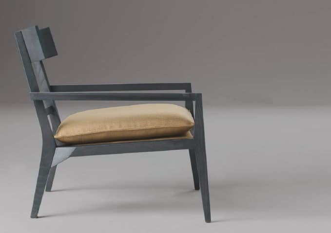 Teresa, Design armchair in solid wood, for stays