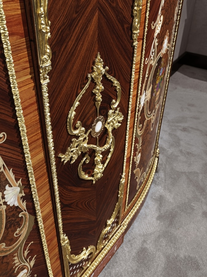 5826, Bar cabinet in bois de rose