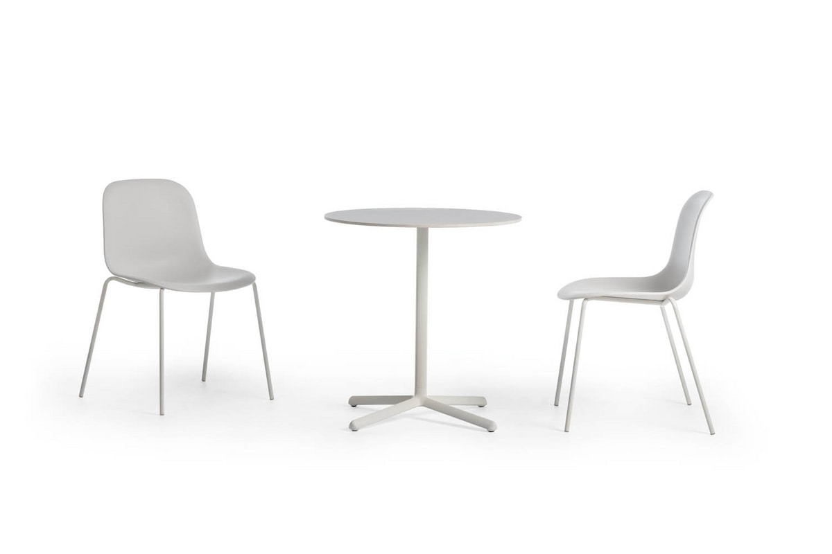 Clivo 74, Table with a refined design