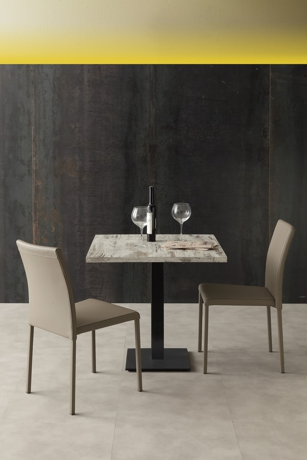 Art. 1032 Piatta, Table base with adjustable feet
