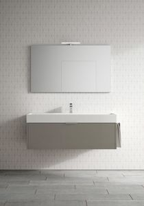 Basic comp.03, Capacious bathroom cabinet with large washbasin