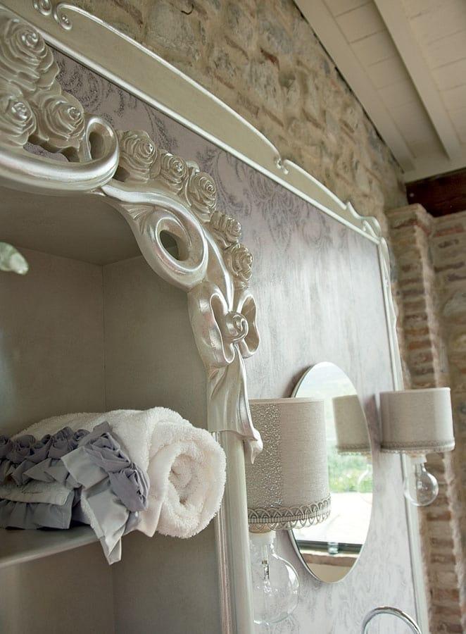 Olga bathroom cabinet, Classic style bathroom furniture