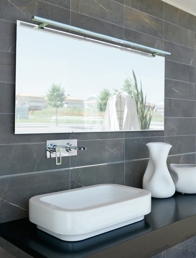 Reply E353, Mirror with LED spotlight