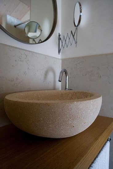 Ellisse collection, Round washbasin made of Vicenza stone