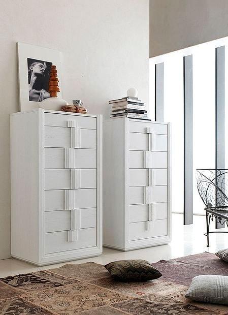 Tea Stilo, Weekly dresser with a modern design